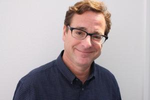 1418 – Winging it with Bob Saget